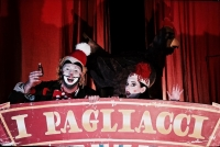 stage-christos-kechris-arlecchino-beppe-peppe-pagliacci-leoncavallo-greek-national-opera-opera